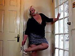 Blonde BBW plaisirs elle-même