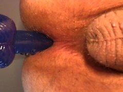 I Cumming hård vid slutet av för ridning dildon