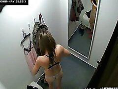 Mooie Tsjechische Teen afgeluisterd in kleedkamer