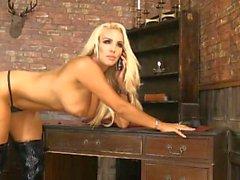 Dannii Harwood 2015-09-17 (1)