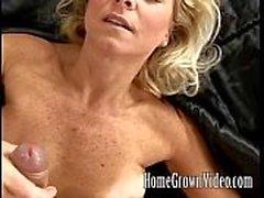 Kåta milf kärlekar hennes mans cock