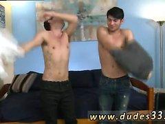 Молодой арабо мальчика фотографии геев секса и обнаженного однополый секс представляющих мужчину на тренажерном зале