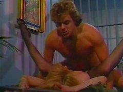 Alex Сторм Chessie Moore Ракель Дэрриан на классической сексуальной сцены