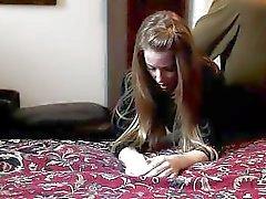 Lección de azote para el comportamiento severo del slutty