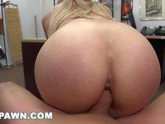 XXXPAWN - Stripper Cristi Ann besucht einen Pfand Shop für Fast Money (xp14332)