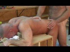 Butch Bear - Ayı kas Truck Stop part 1