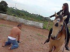 Das Farm der Schmerzen mit Kalinda