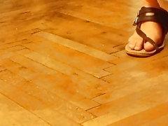 mettre des sandales en cuir