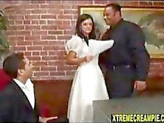 Голове рога On My в день свадьбы одна