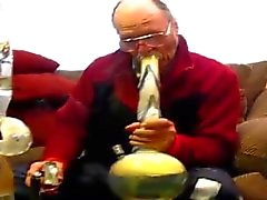 Old man gets orally lungbusted by thick bong