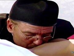 German Nun Séduire Fuck par Prister en Classique Film porno