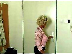 Geile oma op zoek naar Cock
