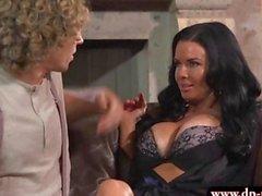 Sexy del big dai seni suocera Veronica Avluv succhia cazzo e avvita