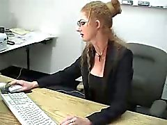 Sexy esguincha loura de MILF no consultório