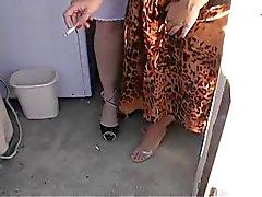 Dois Hotties Em da roupa interior 120 segundos Fumar