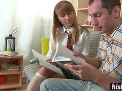 Rus kız öğrenci kıçını becerdin alır