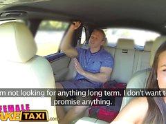 Nainen Fake Taksi Liikemies iskee seksuaalinen juttu