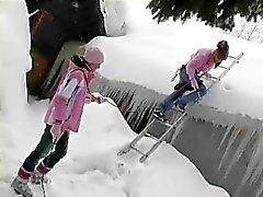 Mooie lesbiennes neuken In De Sneeuw