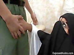 Arab chick met een burka krijgt een grote lul part5