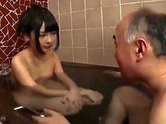 Jeune baise douche amateur