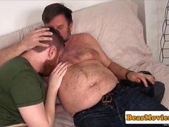 Redbear assfingered время как подергивания помощью голавль парне