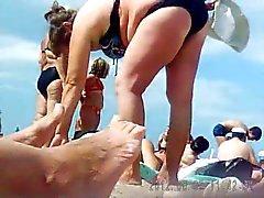 Russia in età matura in spiaggia ! Cam nascosta amatoriale !