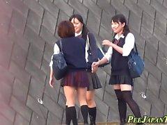 estudiantes sexuales orinar