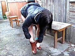 La ragazza russa fontana di fare pipì