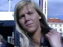 Ceco VIE di Ilona richiederà contanti per pubblico sesso
