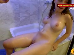 Супер горячий любительский милашка Lia-Louise Piss bath - 666Bukkake