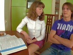 sesión de estudio con adolescentes super lindo