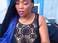 ébano quente com peitos grandes na webcam