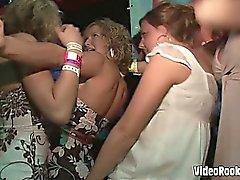 Verrückt Horn Jugendliche Neckereien in dieser extremly frechen Videoamateur gedreht