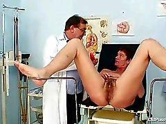 Milf haarige Muschi Gynäkomastie Prüfung Krankenhaus
