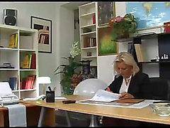 Snygg DOXY borras på hennes kontor