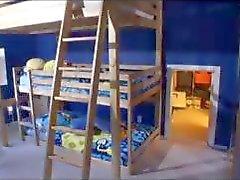 Babysitting à 20 Scene 4 Prévisualisation gratuite Jk1690 Amateur Étudiantes giclées de sperme teen d'avaler anale dp
