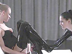 fine pantyhose on strapon lesbians