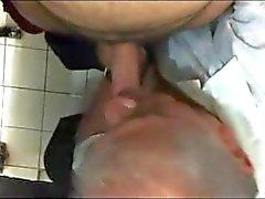v2962 - spia Public toilet - 21-2 - il 10 minuti a