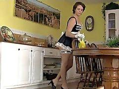 Femme de ménage poilue Partout BVR