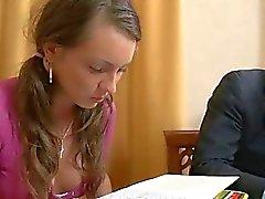 Tonårsbrud slampa straffad av handledare
