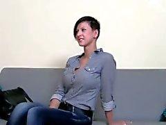 Adolescente morena tesão fodendo na cadeira