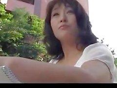 Пятьдесят лет старых зрелого Agaki Оды любит кран