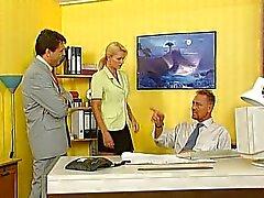 Nicoletta Azul - Secretário fodido no escritório