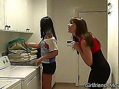 Öpüşme teen lezbiyenler
