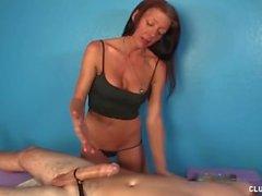Impertinente Masturbação massagista madura