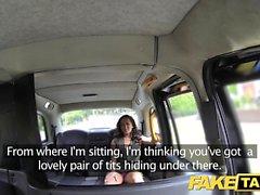Taxi Faux Lady en sous-vêtements rose se creampied