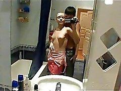 Obscene toilettes des relations sexuelles avec des étudiants
