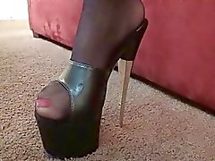 Çorap büyük göğüsleri ile yaramaz esmer milg derin boğaz yapar