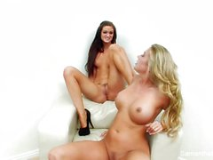 Babes Samantha and Kendall get down and dirty