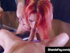 Dick chanceux sucés par Shanda Fay qui virevolte Cock & Gets Cum!